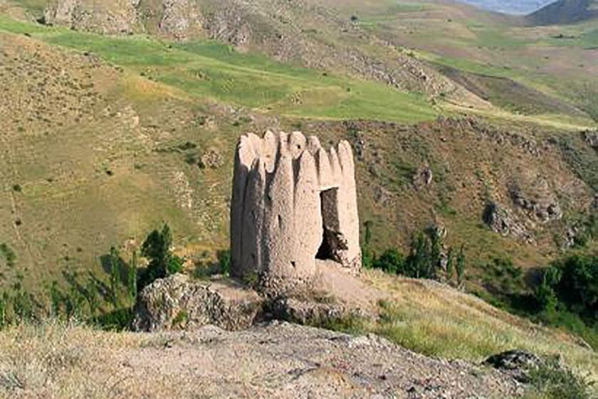 قلعه و برج گرماور